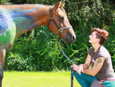Yvonne Suche – Bodypainting für Pferde